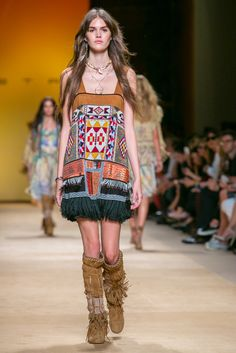 A look from the Etro Spring 2015 RTW collection.