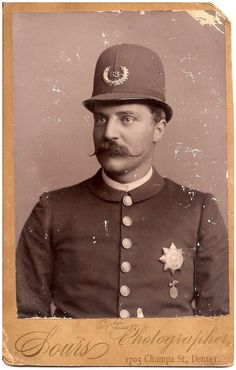 'Arthur' - Cabinet Portrait of a Policeman taken by Sours in Denver, Colorado - late 1 Vintage Gentleman, Vintage Men, Vintage Photographs, Vintage Photos, Antique Photos, Victorian Men, Old Portraits, Police Uniforms, Daguerreotype