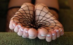 fishnet feet