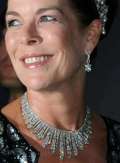 Monaco Diamond Fringe Tiara/Necklace - worn here by Princess Caroline - gift from Prince Louis II to his daughter Princess Charlotte for her 1920 wedding to Count Pierre de Polignac Royal Crown Jewels, Royal Crowns, Royal Tiaras, Royal Jewelry, Princess Charlotte Of Monaco, Monaco Princess, State Jewelry, Fantasy Jewelry, Royal Fashion