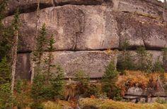 Megálitos gigantes na Rússia: A prova final de uma civilização super-avançada no passado! ~ Sempre Questione