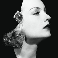 Carole Lombard was an American film actress. She was particularly noted forher zany, energetic roles in the screwball comedies of the She was the highest-paid star in Hollywood in the late Old Hollywood Glamour, Golden Age Of Hollywood, Vintage Hollywood, Hollywood Stars, Classic Hollywood, Hollywood Jewelry, Hollywood Icons, Carole Lombard, Classic Actresses