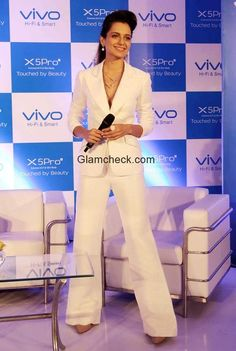 Kangana Ranaut in Theia Couture suit Base Mobile, Androgynous Look, Families, Bollywood, Product Launch, Suit, Celebs, Couture, Beauty