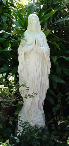 Virgin Mary Grotto Statue Identical to the one back home Mama Mary, Mary I, Holy Mary, Blessed Mother Mary, Divine Mother, Blessed Virgin Mary, Jungfrau Maria Statue, Virgin Mary Statue, Prayer Garden