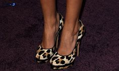 Tisdale added a wild accent to her hot evening look with a cheetah-printed pair of platform pumps. Loving this look! Crazy Shoes, New Shoes, Me Too Shoes, Melbourne Girl, Animal Print Fashion, Animal Prints, Glass Shoes, Leopard Pumps, All About Shoes