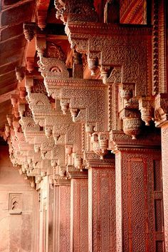 Columns at The Red Fort Agra Columns at a Hindu Palace in Rajasthan, India Architecture Antique, Art Et Architecture, Islamic Architecture, Beautiful Architecture, Beautiful Buildings, Architecture Details, Beautiful Places, Modern Buildings, Varanasi