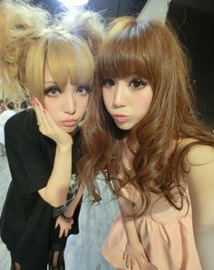 love the hair..styles and makeup ^^