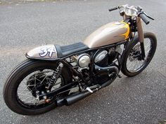 And an other brilliant little custom from Wedge.   This is a YAMAHA SRV250