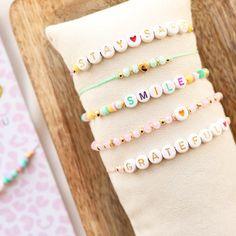 Girls Jewelry, Cute Jewelry, Diy Jewelry, Beaded Jewelry, Jewelery, Handmade Jewelry, Jewelry Making, Beaded Bracelets, Cute Friendship Bracelets