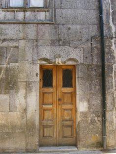 caminha Algarve, Portuguese, Garage Doors, Outdoor Decor, Home Decor, Madeira, Lisbon, Interior Design, Home Interiors
