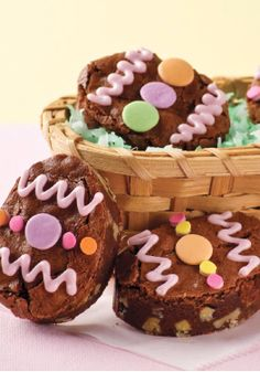 BAKER'S ONE BOWL Easter Egg Brownies – They're dolled up in their Easter finery, but underneath the decorative gels and candies, these are classic BAKER'S ONE BOWL Brownies.