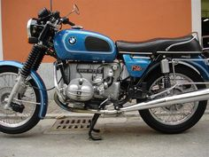 A nice R75/6 in blue...