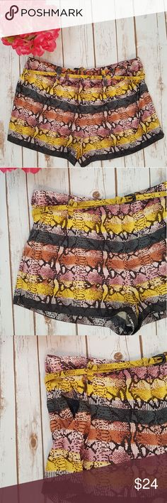 Rachel Roy snake print shorts * 100% viscose * belt is included * side pockets * EUC RACHEL Rachel Roy Shorts