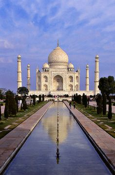 I don't know if we are going to be able to make it here on our upcoming trip but it is definitely on my ultimate travel list, Taj Mahal India.