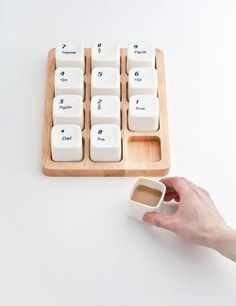 4dbb200c84 little keyboard cups    kleine Espresso-Tassen im Tastatur-Design