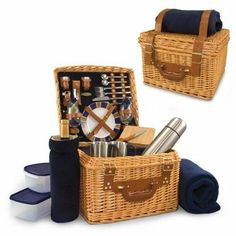 Picnic Time Canterbury Picnic Basket and Blanket With Cheese Cutting Board