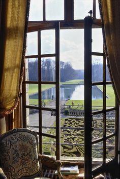 Vue sur le Miroir d'un des salons - Guillaume de Laubier