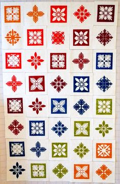 Laser Cut Hawaiian Quilt: 11 Steps (with Pictures) Antique Quilts, Vintage Quilts, Vintage Fabrics, Wooden Containers, Quilt Storage, Hawaiian Quilts, Book Quilt, Laser Cutting, Cool Photos