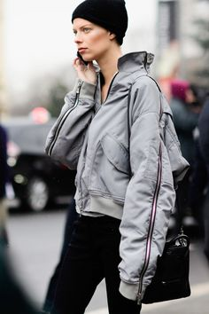 Street Style 2017, Model Street Style, Street Style Trends, Spring Street Style, Street Styles, Style Couture, Couture Week, Couture Fashion, Alexander Mcqueen