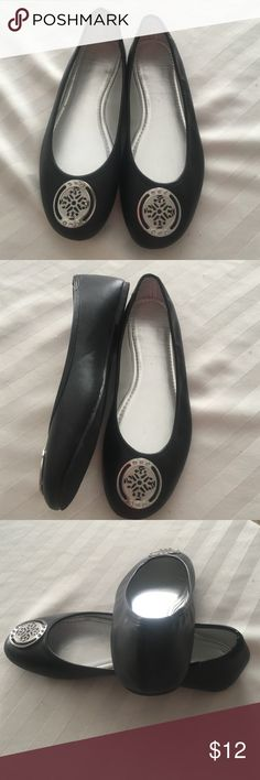 NEW Ballet Flats These flats are new, never worn. They have a silver design on the front. They are all man-made material but very attractive. Unbranded Shoes Flats & Loafers