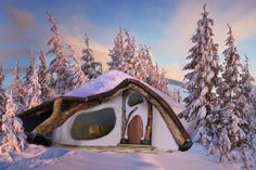 Voice of Nature - Hobbithouse made out of natural materials in...
