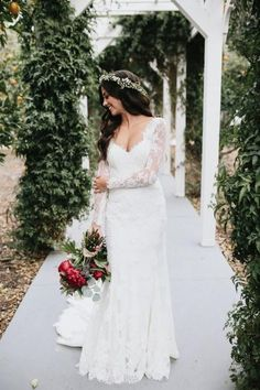 d08f36fbe5 Vintage-inspired Lace Long Sleeves Wedding Dresses with V-neckline