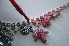 DIY: neon jewel necklace