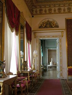 Red Drawing Room of Yusupov Palace