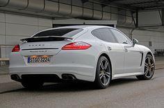 white Porsche Panamera | Porsche-Panamera-Turbo-S-White