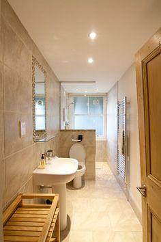 Long Narrow Bathroom Layout Best Of 19 Narrow Bathroom Designs that Everyone Need to See Small Narrow Bathroom, Small Bathroom Layout, Modern Bathroom Design, Bathroom Interior Design, Modern Bathrooms Interior, Small Bathrooms, Modern Design, Ideas Baños, Decor Ideas