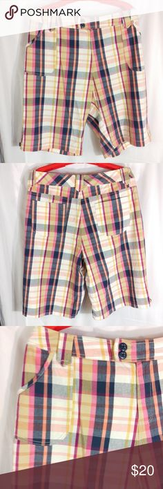 "Lane Bryant Summer Plaid Shorts Size 22 Lane Bryant Colorful Plaid Summer Shorts   98% Cotton, 2% Spandex   Size 22  Waist - 22.5"" across Rise - 13"" Outer seam - 25"" Leg Opening - 13"" across  Smoke free. Excellent condition.  ST5 Lane Bryant Shorts"
