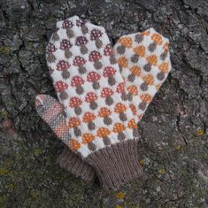 Ravelry: Amanita Mushroom Mittens pattern by Holly C. Knitting Patterns Free Dog, Knitted Mittens Pattern, Knit Mittens, Knitting Socks, Crochet Patterns, Knitted Blankets, Knit Socks, Free Knitting, Stitch Patterns