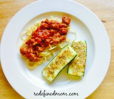 Keep weeknight dinners healthy and simple with this delicious Easy Parmesan Baked Zucchini Recipe! Crab Recipes, Mexican Food Recipes, Yummy Recipes, Chicken Recipes, Recipies, Dinner Recipes, Yummy Food, Healthy Food Choices, Heart Healthy Recipes