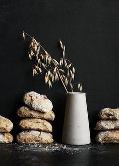 Kaurapuuro-siemensämpylät | Leivonta, Suolainen leivonta | Soppa365 Super Powers, Fiber, Place Card Holders, Baking, Cakes, Low Fiber Foods, Bakken, Food Cakes, Bread