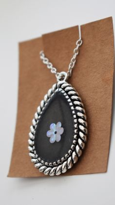 Teardrop Resin Black Statement Necklace, Iridescent Flower Silver Jewelry, Short Chain Costume Jewellery For Her, Mothers Day Gift Under Resin Necklace, Metal Necklaces, Resin Jewelry, Silver Jewelry, Gifts For Mum, Mother Day Gifts, Great Gifts, Gold Lipstick, Glitter Flowers