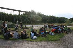 Tiltrængt afslapning i Remmerstrandlejren, efter en lang cykel tur.
