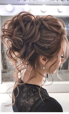 44 Messy updo hairstyles – The most romantic updo to get an elegant look Schnelle Frisuren Summer Wedding Hairstyles, Homecoming Hairstyles, Graduation Hairstyles, Quinceanera Hairstyles, Classy Hairstyles, Bride Hairstyles, Hairstyle Ideas, Gorgeous Hairstyles, Indian Hairstyles