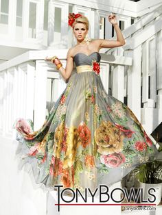 Shop for long prom dresses and formal evening gowns at Simply Dresses. Short casual graduation party dresses and long designer pageant gowns. Dressy Dresses, Strapless Dress Formal, Girls Dresses, Dress Prom, Bridesmaid Dress, Floral Wedding Gown, Colored Wedding Dresses, Wedding Gowns, Tony Bowls