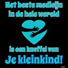 Het beste medicijn in de hele wereld Quotes Gif, Words Quotes, Sayings, Geluk, Live Love, Friends Forever, My Sunshine, Great Quotes, Sentences