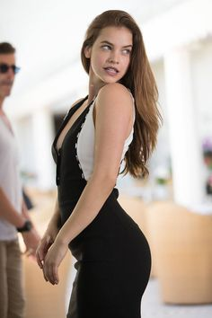 Barbara palvin style in 2020 Barbara Palvin, Hot Actresses, Beautiful Actresses, Female Stars, Hollywood Celebrities, Mannequins, Beauty Women, Fashion Models, Vogue Fashion