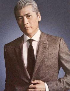 吉川晃司の髪型が女性にモテる!白髪ヘアは本物?オーダー&セット方法を解説! | Slope[スロープ]