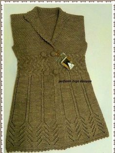 This Pin was discovered by Züb Baby Knitting Patterns, Knitting Designs, Knit Shirt, Knit Cardigan, Crochet Dress Outfits, Knit Vest Pattern, Knitwear Fashion, Crochet Woman, Knitting For Beginners