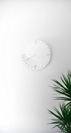 Relax Clock by STUDIODWAS #timepiece #designwithastory #design #watch #fashion #industrialdesign #glass #frostedglass #behance #precision #black #watchdesign #designporn #designlovers #innovation #designerlife #instafashion #fashionblogger #stylish #mensfashion #womensfashion #weekend #instastyle #lookbook #creative