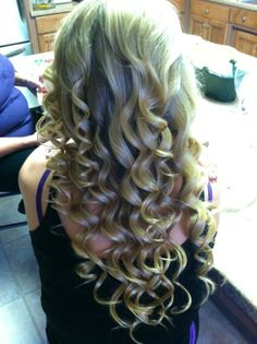 Love Her Long Curls - Hairstyles and Beauty Tips