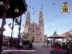 TURISMO EN CIUDAD JUÁREZ. La Catedral de Ciudad Juárez está dedicada a la Virgen de Guadalupe y fue construida en 1659, pero se consagró hasta el año de 1941. La puede visitar cuando esté de paseo por el Centro Histórico y se encuentra anexa a la antigua Misión Franciscana que era parte del Paso del Norte. www.turismoenciudadjuarez.com