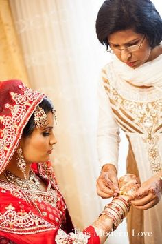 hair and makeup, bridal fashions http://maharaniweddings.com/gallery/photo/12987