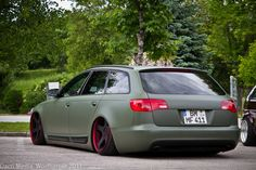Matte green hasn't been done much. I think it actually suits Audis.