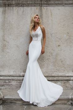 Wedding Dress ESME European-made only in Charmé Gaby Bridal Gown boutique in Clearwater FL 727-300-2044 charmegaby@gmail.com Price:$1100,00