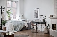 Gorgeous 60 Cool Studio Apartment with Scandinavian Style Ideas on A Budget https://homstuff.com/2017/07/18/60-cool-studio-apartment-scandinavian-style-ideas-budget/
