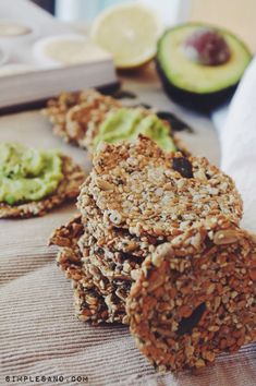 PETER ALLMARK: Abstract This article claims that health promotion is best practised in the light of an Aristotelian conception of the good life for humans. Wheat Free Bread, Snacks Saludables, Yummy Food, Tasty, Crackers, Pinterest Recipes, Sin Gluten, Gluten Free, Vegan Desserts